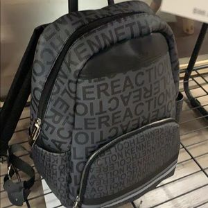 🔥🔥🔥NWT Kenneth Cole BackPack 🎒